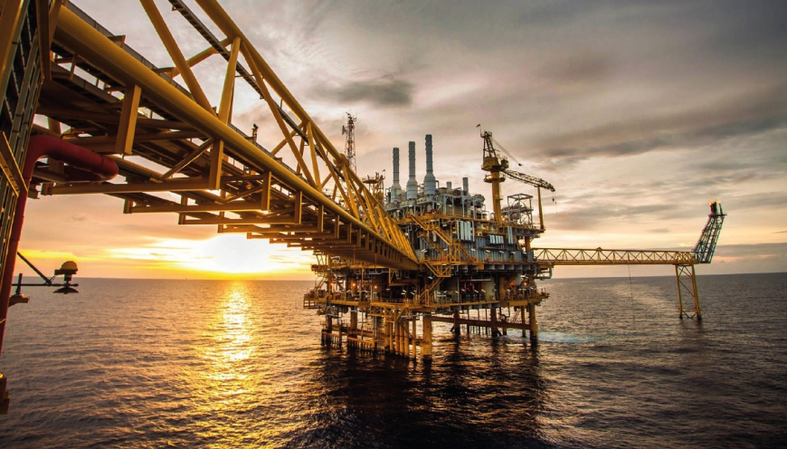 Modern project management in large oil and gas engineering projects